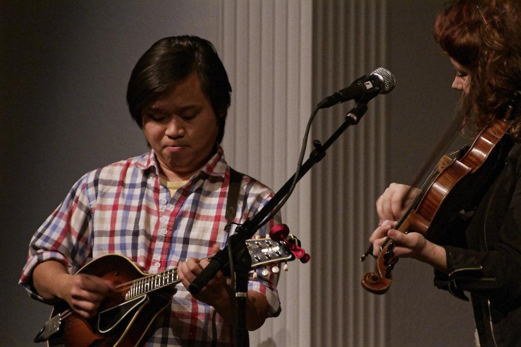 Mandolinist Dan Bui & fiddler Kathleen Parks